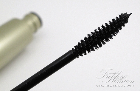 Mirenesse Secret Weapon 24 Hr Mascara Review, Swatches and Photos ...