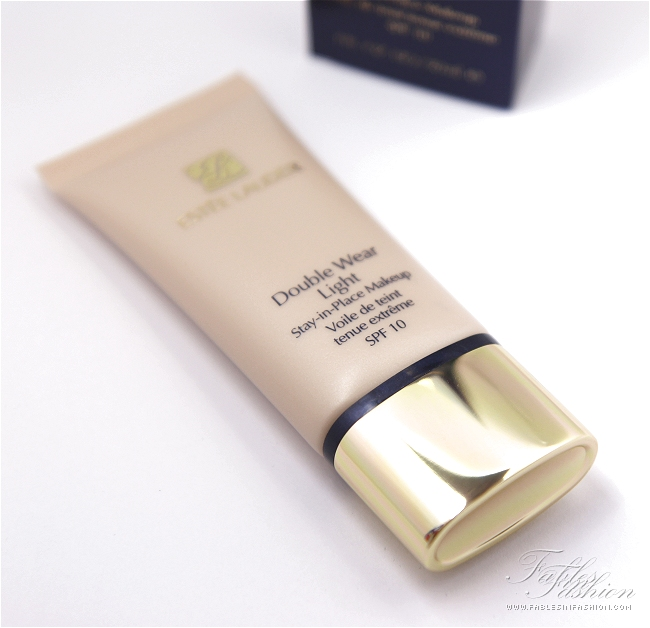 estee lauder double wear light foundation review swatches and photos. Black Bedroom Furniture Sets. Home Design Ideas