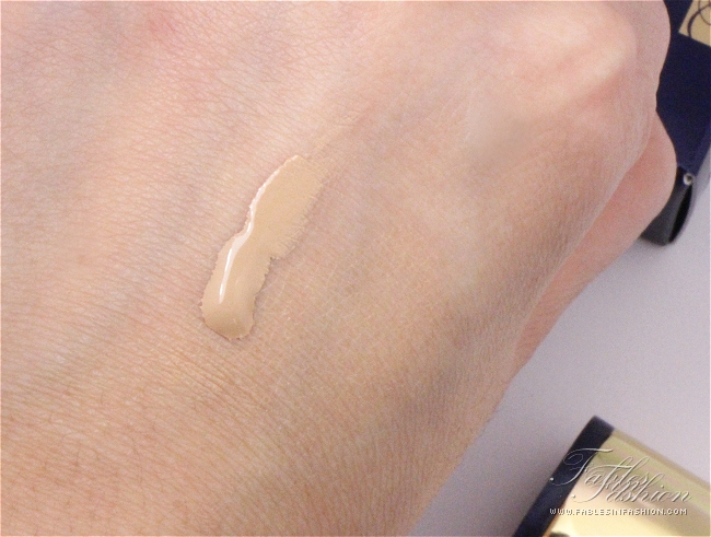Estee Lauder Double Wear Light Foundation Review Swatches