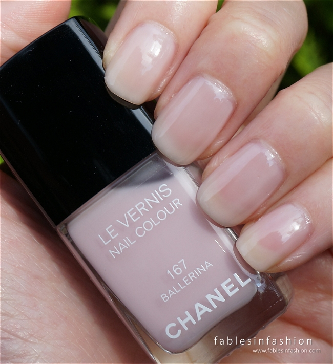 Favori Chanel Le Vernis - 167 Ballerina Review and Swatches - Fables in  NE28