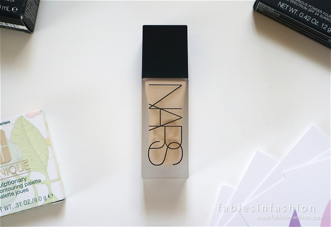 nars-all-day-luminous-weightless-foundation-01