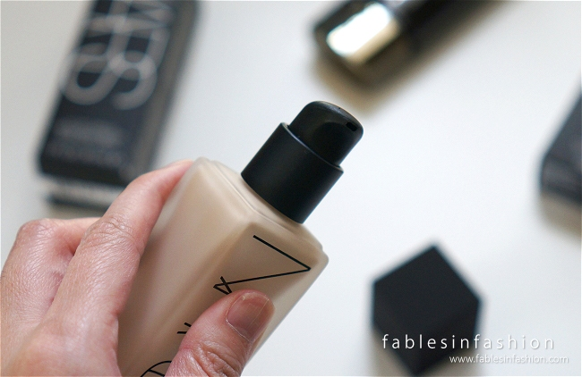 nars-all-day-luminous-weightless-foundation-02