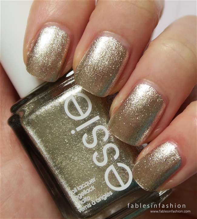 essie-winter-2015-jiggle-hi-jiggle-low