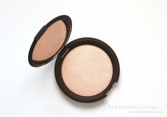 becca-jaclyn-hill-champagne-pop-highlighter-03